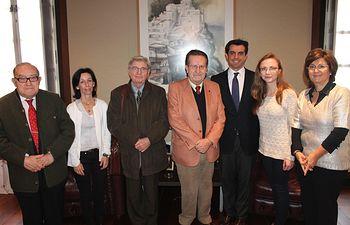 Javier Cuenca durante la reunión con los miembros del jurado del XXXIV concurso nacional de jóvenes pianistas 'Ciudad de Albacete'