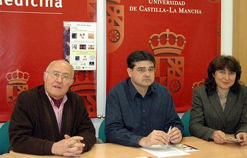 De izqda. a dcha: Andrés Sánchez, Francisco Sánchez y Mª Carmen Ramírez, durante la presentación