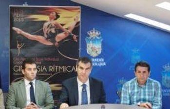 El alcalde, Antonio Román, presenta el campeonato de España de Gimnasia Rítmica