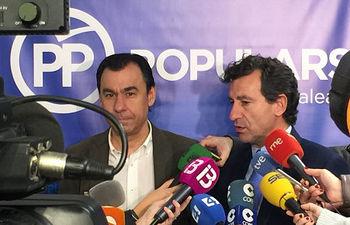 El coordinador general del Partido Popular, Fernando Martínez-Maillo, atiende a los medios.