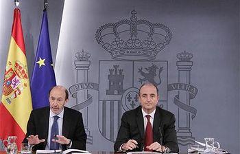 Consejo de Ministros: Pérez Rubalcaba y Miguel Sebastián