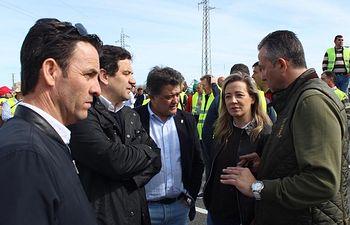 Lola Merino ha asistido en Manzanares, junto a alcaldes del PP de Ciudad Real  a las movilizaciones convocadas por las Organizaciones Agrarias.
