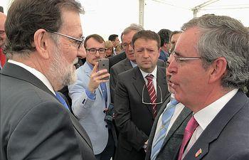 El alcalde rodensem Vicente Aroca junto a Mariano Rajoy.