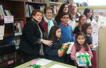 Entregados los premios del VII Certamen Escolar de Poesía 'Juan Alcaide', con 140 trabajos presentados.