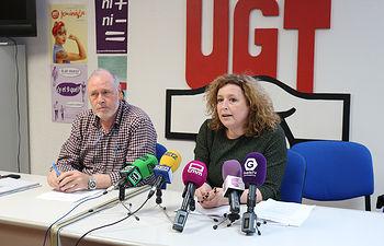 Ana García de la Torre, secretaria de Salud Laboral y Medioambiente de UGT, y Pedro del Olmo, el secretario general de UGT Guadalajara.