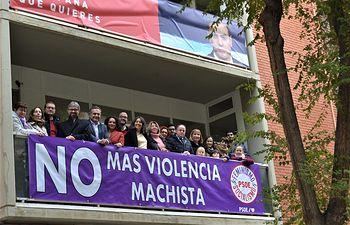 Pancarta en la Casa del Pueblo en Albacete para condenar la violencia machista.