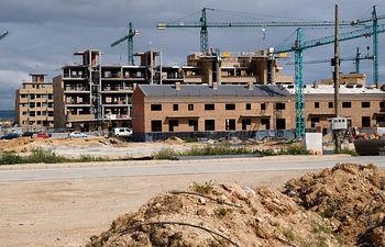 El año 2005, con 812.294 viviendas visadas, fue el de mayor construcción de vivienda de toda la historia de España, si bien para finales de 2006 se prevén otras 850.000.