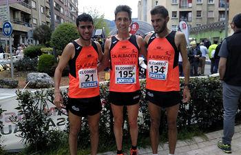 Severino Felipe entre Mohamed Boucetta y Omar Oughzif.