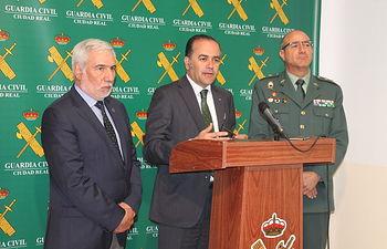El delegado del Gobierno en Castilla-La Mancha, José Julián Gregorio, informa sobre una operación de la Guardia Civil en Ciudad Real
