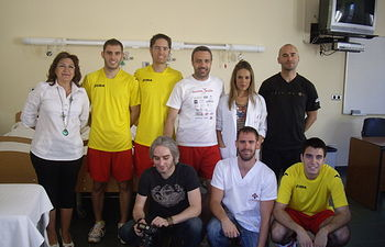 Participantes en el proyecto con la directora de la E. U. de Enfermería y Fisioterapia de Toledo.