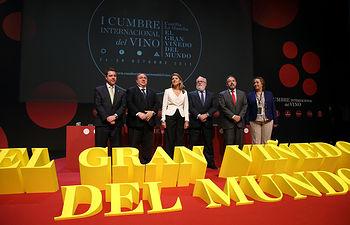 Cospedal inaugura la I Cumbre Internacional del Vino de CLM