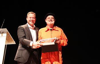 Pablo Carbonell homenajea a José Luis Cuerda y al humor albaceteño en un divertido pregón del Carnaval.