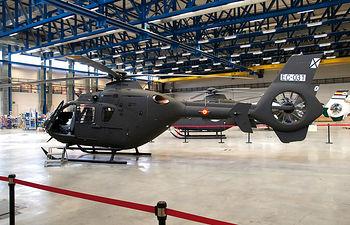 La instalación de Eurocopter y empresas como ITH en el Parque Aeronáutico ha situado a Albacete en una posición estratégica dentro del mapa aeronáutico internacional. En la imagen, helicópteros EC-135 de la empresa Eurocopter.