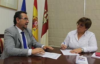 El Gobierno de Castilla-La Mancha aborda con el ayuntamiento de La Solana diversas mejoras educativas en el municipio