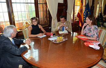 Isabel García Tejerina se reúne con el presidente de la Fundación Amigos del Museo del Prado. Foto: Ministerio de Agricultura, Alimentación y Medio Ambiente