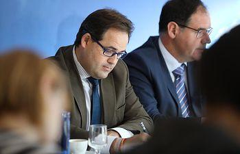 Desayuno informativo ofrecido esta mañana en Cuenca por el presidente del Partido Popular de Castilla-La Mancha, Paco Núñez, el presidente provincial, Benjamín Prieto, y la candidatura al Congreso y al Senado por la provincia.