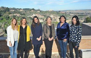 Las diputadas del PP Cesárea Arnedo, Lola Merino, María Roldán, Ana Guarinos, Claudia Alonso y Carolina Agudo. Foto: EUROPAPRESS.