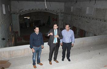Francisco Núñez visita en Elche de la Sierra el Teatro Municipal Aguado que será rehabilitado con el programa 'Dipualba Invierte'