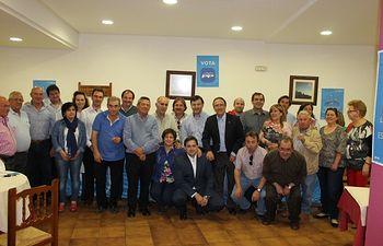 Almuerzo en Yeste con alcaldes y vecinos de la comarca.