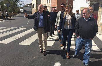 Elena de la Cruz visita el Ayuntamiento de Landete. Foto: JCCM.
