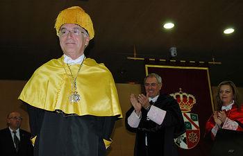Carlos Belmonte, doctor honoris causa por la UCLM