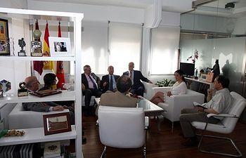 Pilar Zamora recibe a los doctores Honoris Causa Nazario Martín y Maurizio Prato