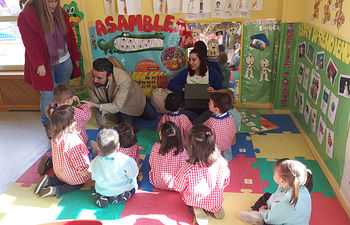 Sesión en una Escuela Infantil. Fotografía: Ayuntamiento de Azuqueca