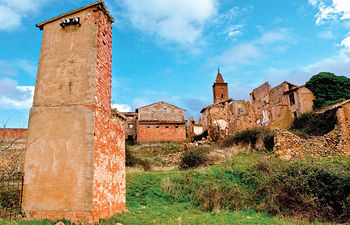 El despoblamiento rural forma parte importante de los cerca de dos millares de problemas ambientales identificados en España en 1983. Foto de un pueblo abandonado.