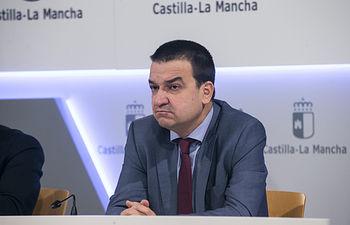 El consejero de Agricultura, Medio Ambiente y Desarrollo Rural, Francisco Martínez Arroyo informa de los acuerdos del Consejo de Gobierno en el Palacio de Fuensalida