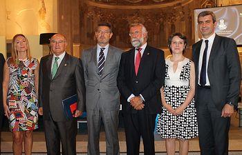 Álvaro Gutiérrez con las autoridades que inauguraron la jornada sobre igualdad en Talavera