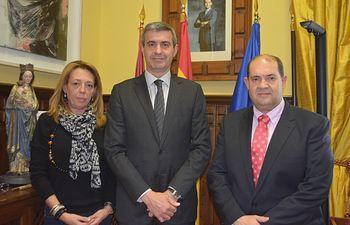 Álvaro Gutiérrez con Carlos Casarrubios y Laura Gómez