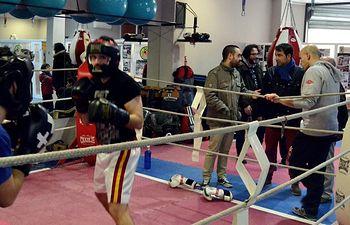 Modesto Belinchón asiste a un entrenamiento de boxeo