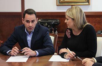 Visita oficial que la consejera cursó al Ayuntamiento de Cabanillas en octubre de 2015.