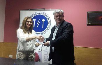 Convenio colaboración entre la Asociación de Talleres, APETREVA, y AXA Seguros