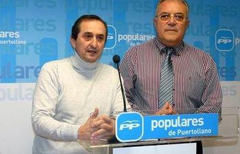 Manuel Tabas y un Concejal