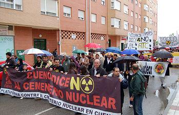 Tarancón acogió hoy una multitudinaria manifestación para mostrar el rechazo de la sociedad conquense a la instalaciones del ATC en Villar de Cañas (Cuenca).