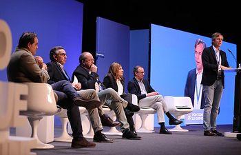 Paco Núñez en la mesa 'Construyendo España desde las regiones', de la XXIV Interparlamentaria Popular.