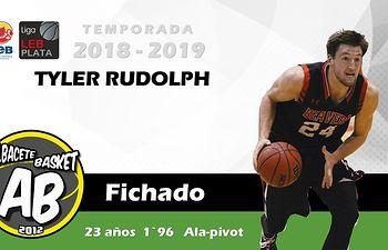 Fichaje del jugador Tyler Rudolph,  jugador estrella de la NCAA.