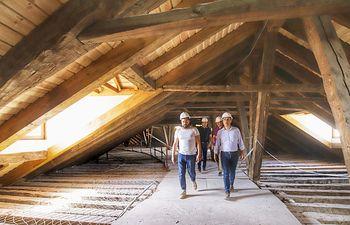 Tierraseca visita en Brihuega las obras que se llevan a cabo en la Real Fábrica de Paños de Carlos III. Foto: JUANJO VALVERDE