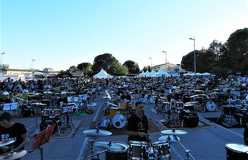 Quintanar de la Orden bate el Guinnes World Record del mayor número de bateristas tocando, arrebatándoselo a Brasil.