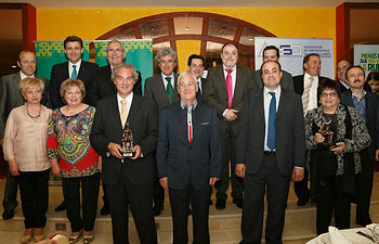 Leandro Esteban asiste a los Premios de la Asociación de Empresarios de Socuéllamos-1. Foto: JCCM.