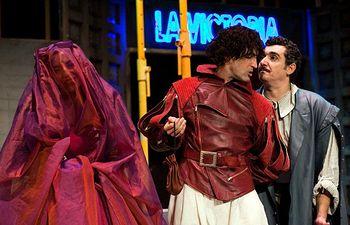 """Imagen de la obra """"La celosa de sí misma"""", que las compañías A Priori Gestión Teatral y Teatro de Malta estrenaron en la última edición del Festival de Almagro, gracias al apoyo del Gobierno de Castilla-La Mancha."""