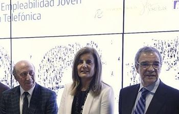 Foto Fátima Bañez en el Programa Empleabildad Joven Telefónica (EFE)