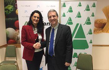 La Asociación Agraria Jóvenes Agricultores (ASAJA) de Ciudad Real y CaixaBank han firmado un convenio de colaboración para facilitar a los agricultores y ganaderos de la provincia la tramitación de la solicitud de ayudas de la PAC (Política Agraria Comunitaria).