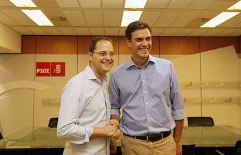 César Luena y Pedro Sánchez. Foto: PSOE.