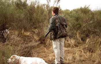 El cazador juega un papel decisivo en la gestión de las buenas prácticas cinegéticas y en la conservación de la naturaleza.