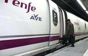 Trenes de AVE. (Foto archivo)