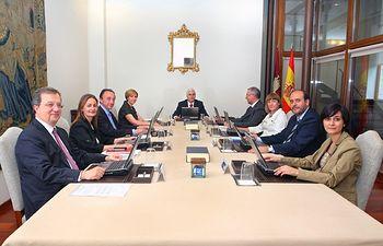 El presidente de Castilla-La Mancha, José María Barreda, preside la reunión del Consejo de Gobierno en la sede de la Presidencia regional en Toledo.