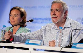El Secretario de Estado de Administraciones Públicas, Antonio Beteta, durante su intervención en la mesa