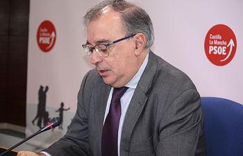 Fernando Mora, presidente del Grupo Parlamentario Socialista en las Cortes regionales.